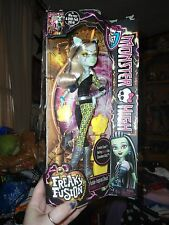 NEW IN PACKAGE MONSTER HIGH DOLL FREAKY FUSION FRANKIE STEIN