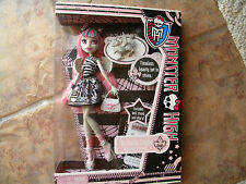 NEW IN BOX Monster High ROCHELLE GOYLE Doll W/ Roux First Wave NIB