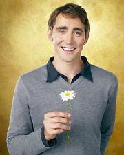 Pace, Lee [Pushing Daisies] (39607) 8x10 Photo