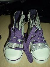 Toddler GIRL TENNIS SHOE HIGH TOP SIZE 5 SILVER GLITTER LOOK WITH PEACE SIGN New
