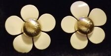 Retro VTG 1960/1970 Large White & Gold Daisy Flower Clip-On Earrings Gold Clips