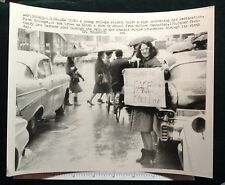 NEW YORK CITY TRANSPORTATION STRIKE HITCHING A RIDETO PACE COLLEGE 1966 #8713