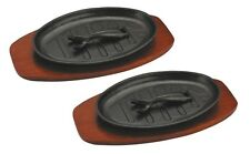 2 CAST IRON STEAK SIZZLE SIZZLING SERVING PLATTER PLATE DISH WOODEN BASE BOTTOM