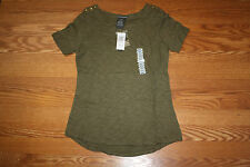NWT Womens CHELSEA & THEODRE Olive Shade Boat Neck Blouse S/S Shirt Size S Small