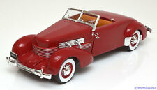 1:18 Ertl/Auto World Cord 812 Convertible Road & Track 1937 red