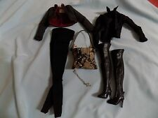 FASHION ROYALTY VANESSA NIGHT WARRIOR OUTFIT,MISSING SWORD MINT