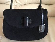 Pre-Owned 100% Aut  Gucci Vintage Black Suede/Leather Hand Bag