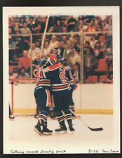 MARCH 30 1981 WAYNE GRETZKY OILERS BREAKS POINTS RECORD WIRE PRESS PHOTO TEAM