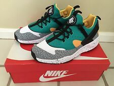 NIKE AIR HUARACHE UTILITY SNEAKERS SIZE 10 806979103 BRAND NEW BEST OFFER!