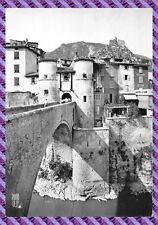 Entrevaux - l' entrée principale e le pont Levis sur le var