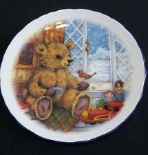 Royal Vale Collectors Plate Teddy Bear. Robin, Toys, Snow, Winter Scene 21 cm D