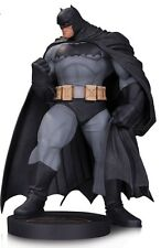 BATMAN DARK KNIGHT III THE MASTER RACE STATUE-BY ANDY KUBERT-  DESIGNER SERIES