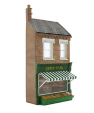 Bachmann Scenecraft 44-253 Low Relief Greengrocers Juicy Pear Building Shop