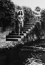 Helmut Newton Sumo Photo Print 50x70 Lake Como Italy 1989 Nude Tied Woman Chains