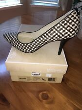 Michael Kors Houndstooth Black/White 9.5M Pumps