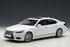 Lexus LS600hL 2013 White 1:18 Model AUTOART