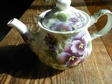 Tea pot pansies by Sadler in england great shape