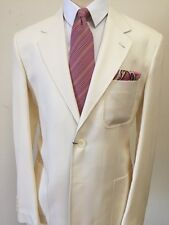 Off white super 130 Wool suit with patch/ticket pocket, notch/peak lapel