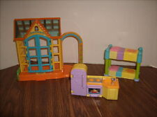 Dora The Explorer Dollhouse Greenhouse -  Kitchen - Sink Stove Fridge & Bunk Bed
