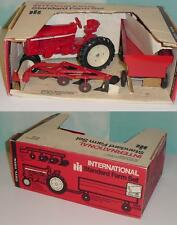 1/16 Vintage International 544 Standard Farm Set W/Box!