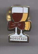 Pin's boisson / verres de vin de Bordeaux