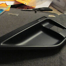 NOS 1989 - 1997 FORD THUNDERBIRD RH INSIDE DOOR HANDLE CUP BEZEL E9SZ-6322634-B