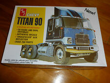 CHEVY TITAN 90 TRACTOR TRUCK AMT -603 MODEL KIT PLASTIC 1/25 F/S SEALED