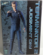 TERMINATOR 2 : 1/5 SCALE T-1000 VINYL MODEL KIT MADE BY HORIZON IN 1991.