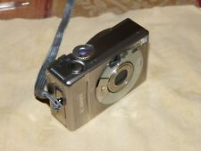Canon IXUS 300 / PowerShot Digital ELPH S300 2.0 MP Digital Camera - Silver