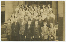 34 WELL DRESSED STUDENTS/CLASS LOCATION UNKNOWN VINTAGE SCHOOL PHOTO POST CARD