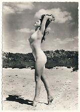 Nudism NACKTE FRAU AM STRAND / NUDE WOMAN ON THE BEACH FKK * 60s French Photo PC