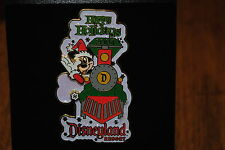 Disney Pin - DisneyPins.com - Disneyland - Happy Holidays (Mickey Mouse) LE 1000
