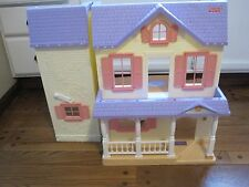 Fisher Price Loving Family 90's era Fold Up Doll House FOR PARTS OR AS IS