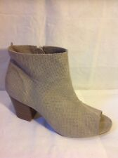 Old Navy Grey Ankle Boots Size 8