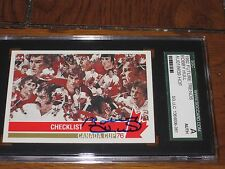 BOBBY HULL AUTOGRAPHED 1992 FUTURE TRENDS CARD-SGC SLAB-1976 CANADA CHECKLIST