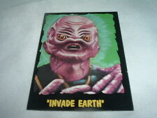 1964 OUTER LIMITS #24 INVADE EARTH BUBBLES INC COLLECTIBLE CARD