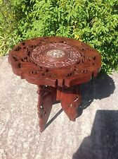 Indian carved teck bois tabouret table de café de collection de meubles en laiton