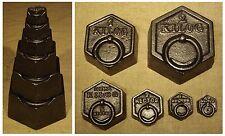 Outil ancien série de 6 poids hexagonaux pour balance old tool