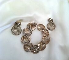 Crown Trifari Metallic Wavy Disk Bracelet & Clip Earring Vtg Demi Parure Set