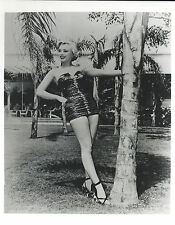 MARILYN MONROE 8 X 10 PHOTO WITH ULTRA PRO TOPLOADER