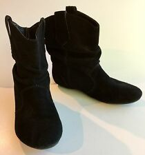 Steve Madden Black P-Hoops Flat Sole Suede Ankle Booties - 8M - Western Style