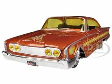1960 FORD STARLINER ORANGE CUSTOM 1/26 DIECAST MODEL CAR BY MAISTO 31038