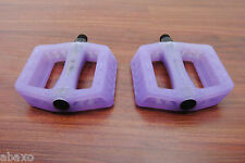 Wellgo Color Changing UV Light Bicycle Bike Pedals, White to Purple