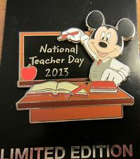 Disney National Teacher  Day 2013 Pin Mickey LE1500