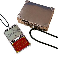 Fantastic Beasts and Where to Find Them Suitcase Locket + 2 Micro Trading Cards
