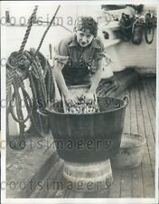 1933 Co-Operative Colony Hand Washing Clothes n Bucket on Ship  Press Photo