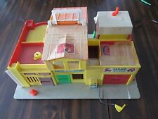 Fisher Price #997 Play Family Village 1973 no accessories AS SHOWN IN PHOTOS
