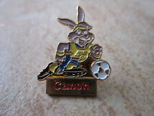 1992 UEFA EUROPEAN CHAMPIONSHIP CUP IN SWEDEN PIN BADGE MASCOTTE