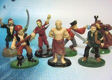 Dungeons & Dragons Miniatures Lot  Townsfolk Commoners !!  s99