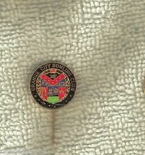 ORANGE CITY  BOWLING CLUB  PIN, COAT OF ARMS DESIGN